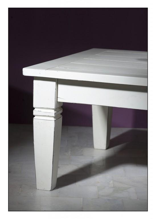 Wohnzimmer Holz Tisch Blau Couch Möbel Im Ferienhaus ...