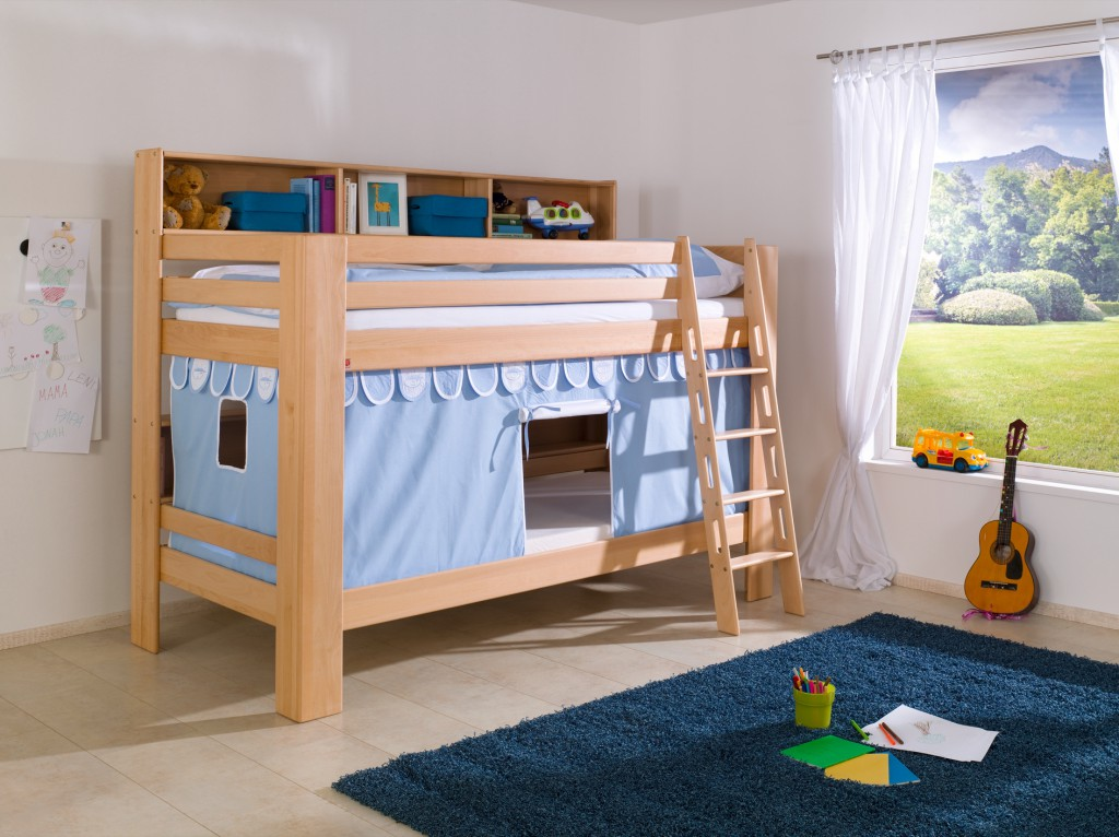 etagenbett jan kinderbett spielbett bett mit b cherregal buche blau wei kids teens betten. Black Bedroom Furniture Sets. Home Design Ideas