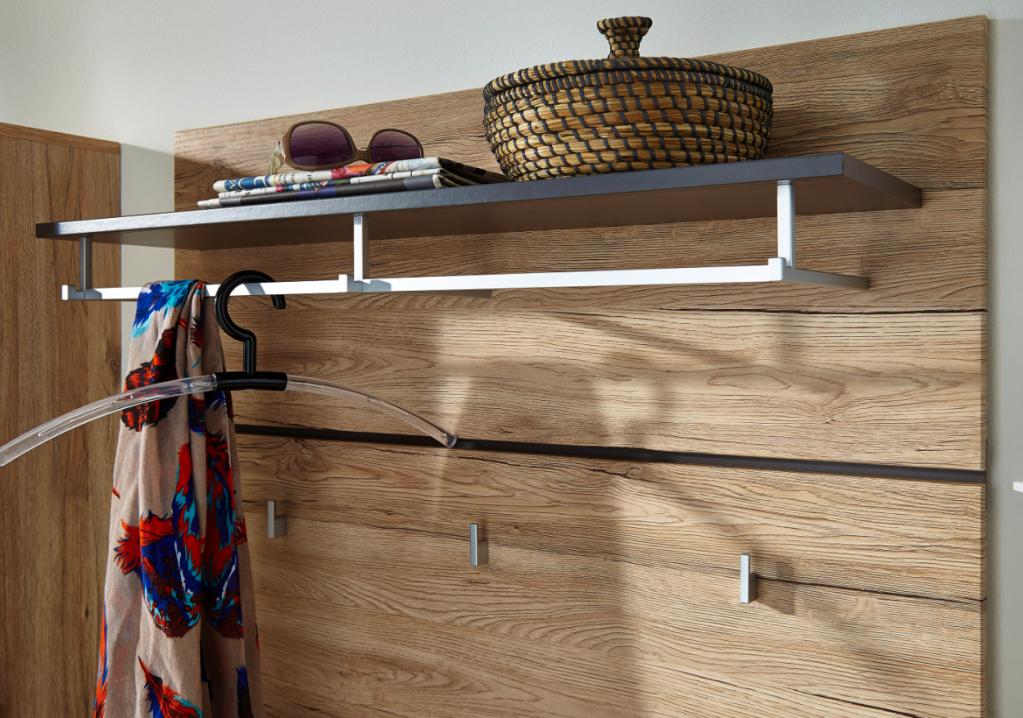 fresh garderobenpaneel wandgarderobe garderobenleiste garderobenhaken diele flur paneel. Black Bedroom Furniture Sets. Home Design Ideas